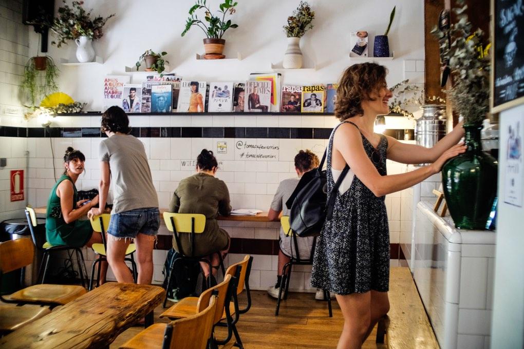 Ambiente en Toma Café. Foto: Alfredo Cáliz