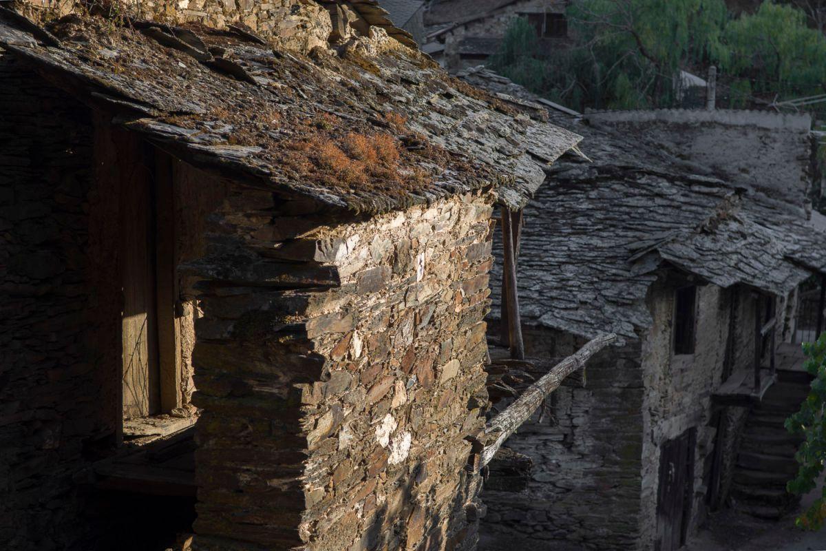 Casas tradicionales de Riohonor de Castilla. Foto: Manuel Ruiz Toribio