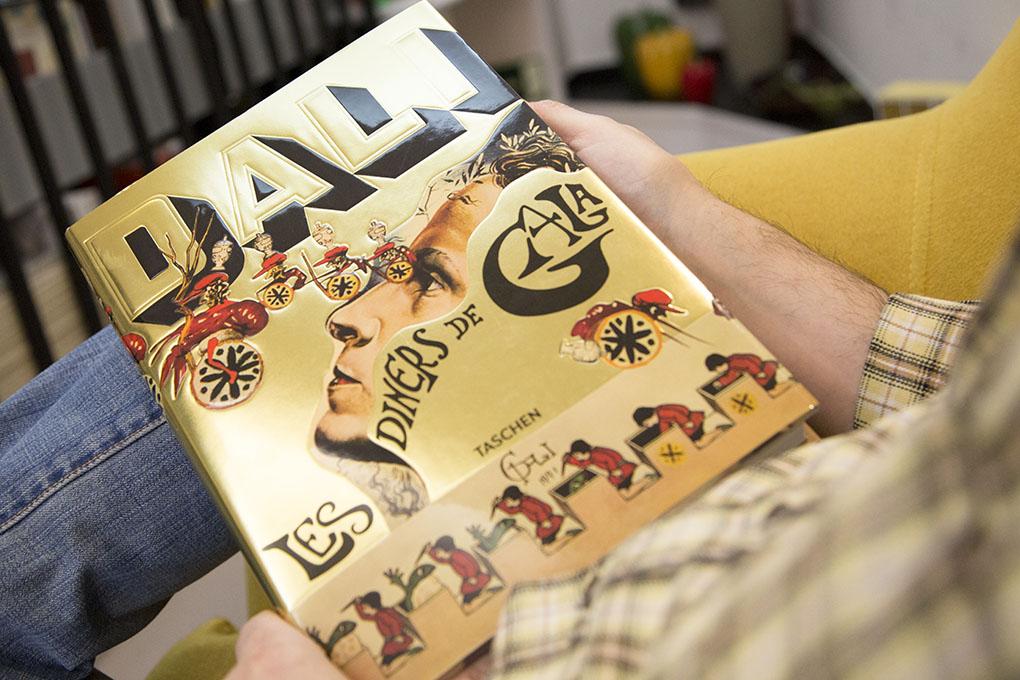 Libros sobre cocina: portada de 'Dalí'. Foto: A Punto Librería