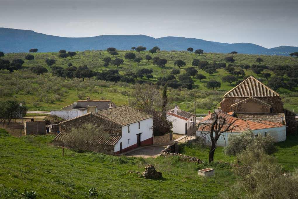 Los paisajes que rodean Almadén también merecen una parada.