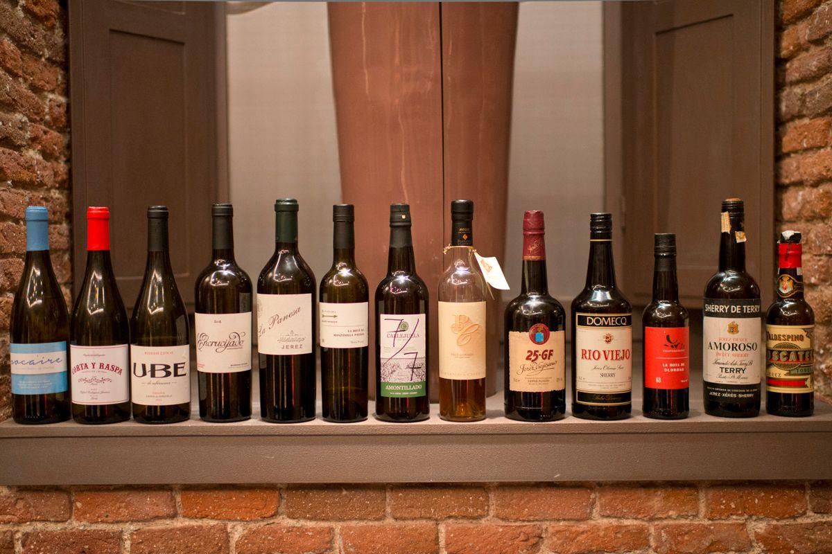 Un festival de vinos durante la cena. Foto: Sofía Moro