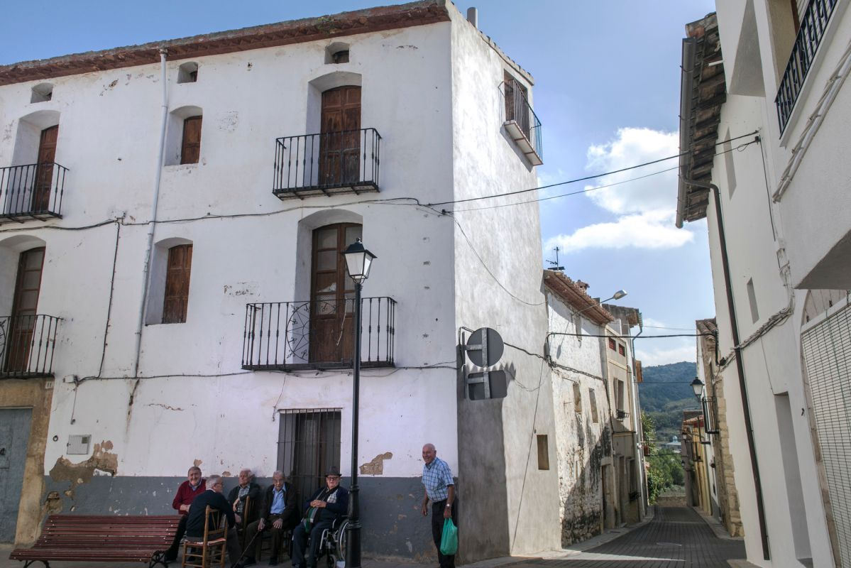 Paisanos de Benasal, en la calle. Foto: Eva Máñez