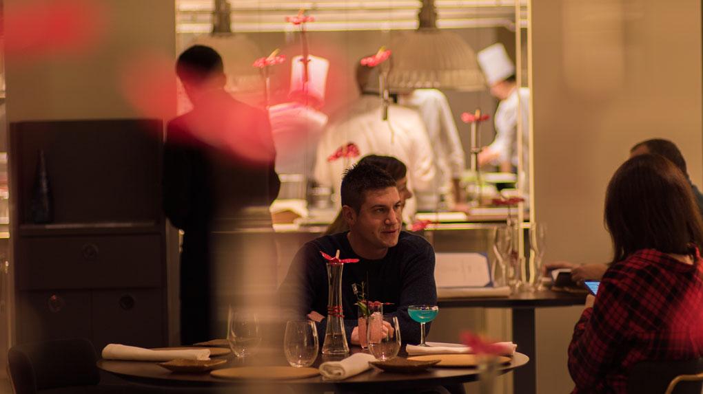 Comedor del nuevo Dos Cielos Barcelona