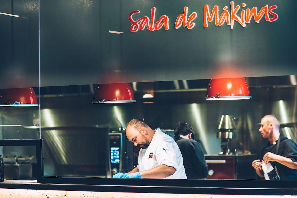 César Martín en su cocina, la Sala de Mákinas