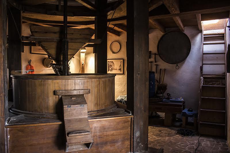 Molinas de gofio: Interior de la molienda La Alamada. Foto: Charo Barea