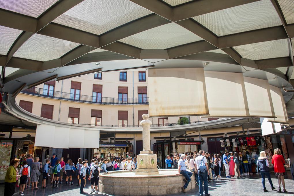 Aunque conserva su esencia y sus tiendas, la Plaza Redonda, en pleno centro, fue remodelada hace unos años.