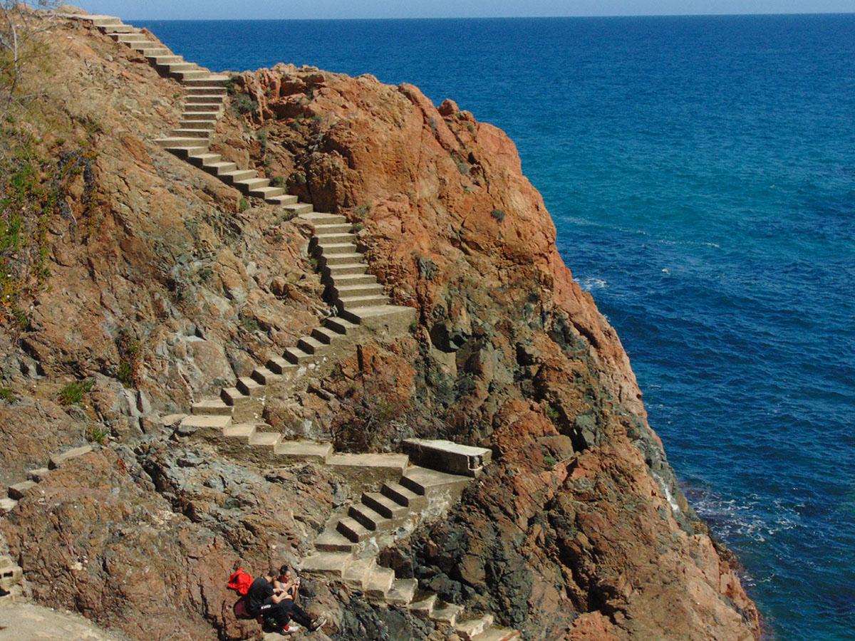 Camino de Ronda (Costa Brava): bajada al mar en S'Agaró. Foto: Anna Otero