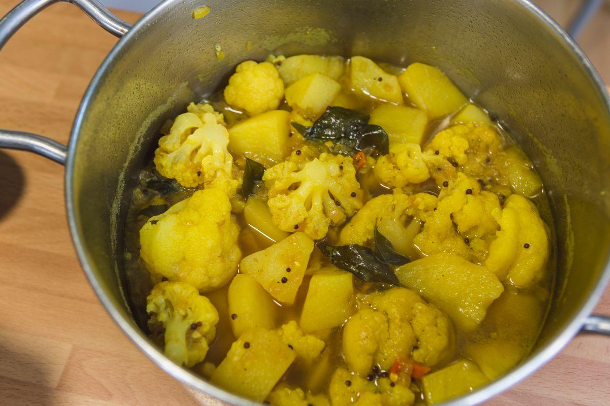 Bahjí de patatas con coliflor. Foto: David de Luis