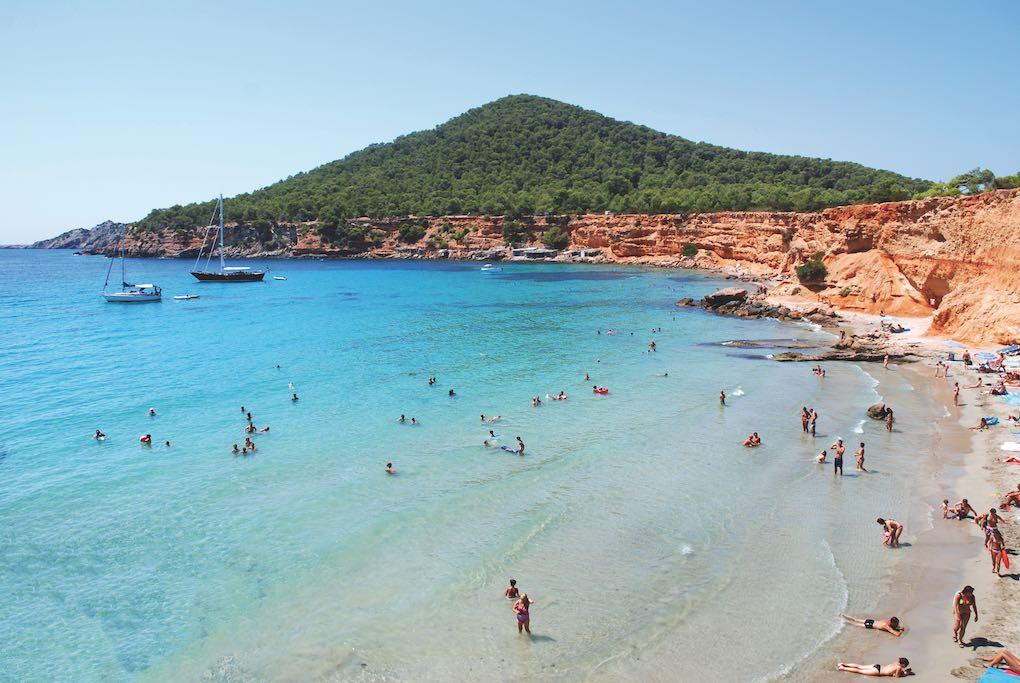 Playa Es Bol Nou. Foto: Fundación de Promoción Turística de Ibiza / Xescu Prats