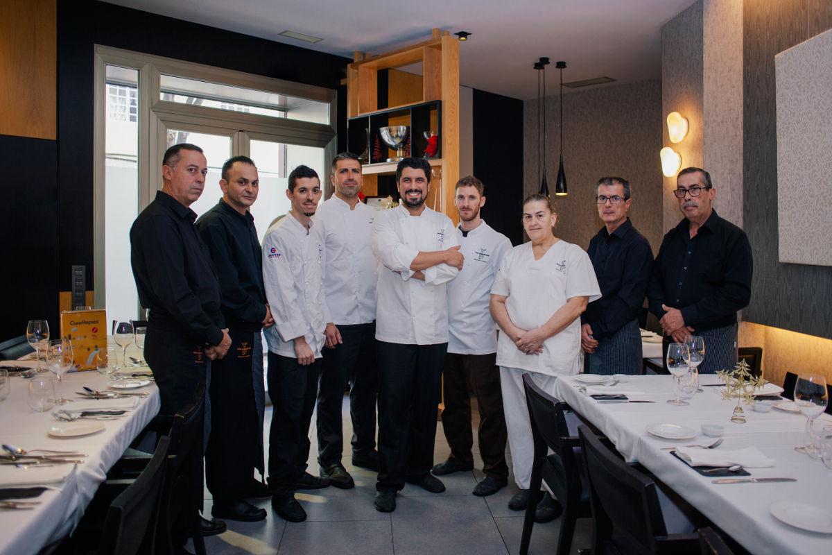 Alberto González y el equipo de 'San Sebastián 57'