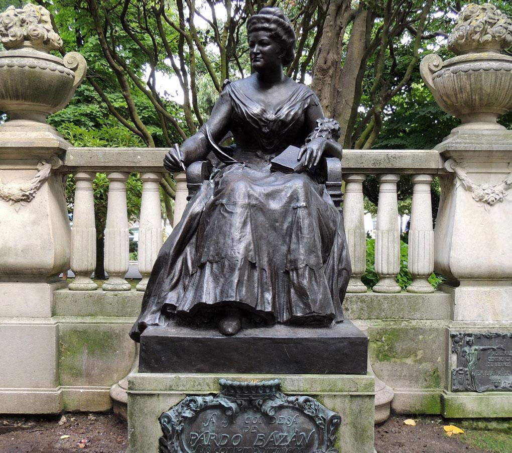 Estatua de la Marquesa de Paraben en Coruña. Foto: Flickr / José Luis Cernadas (con Creative Commons)