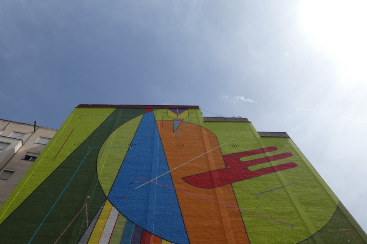 Mural de la Calle Lepant, firmado por SIXE.