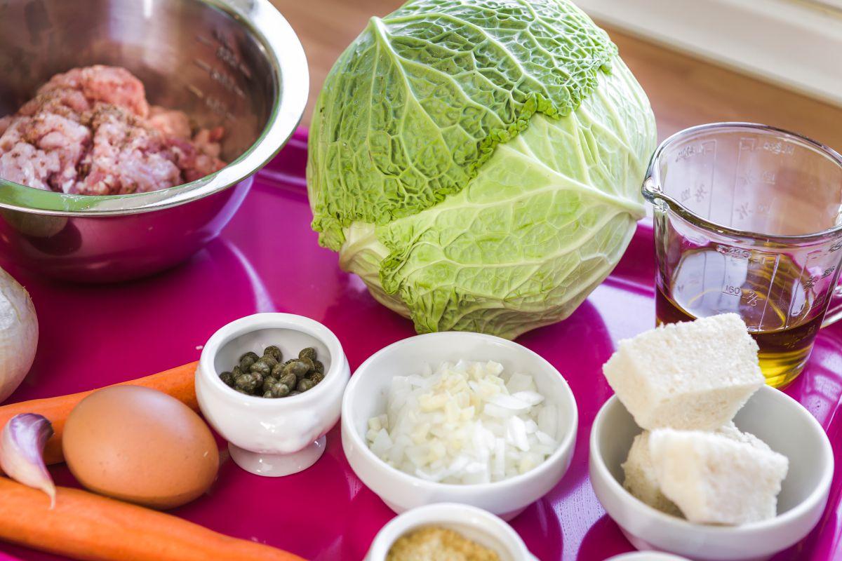 Ingredientes de la receta de repollo. Foto: David de Luis