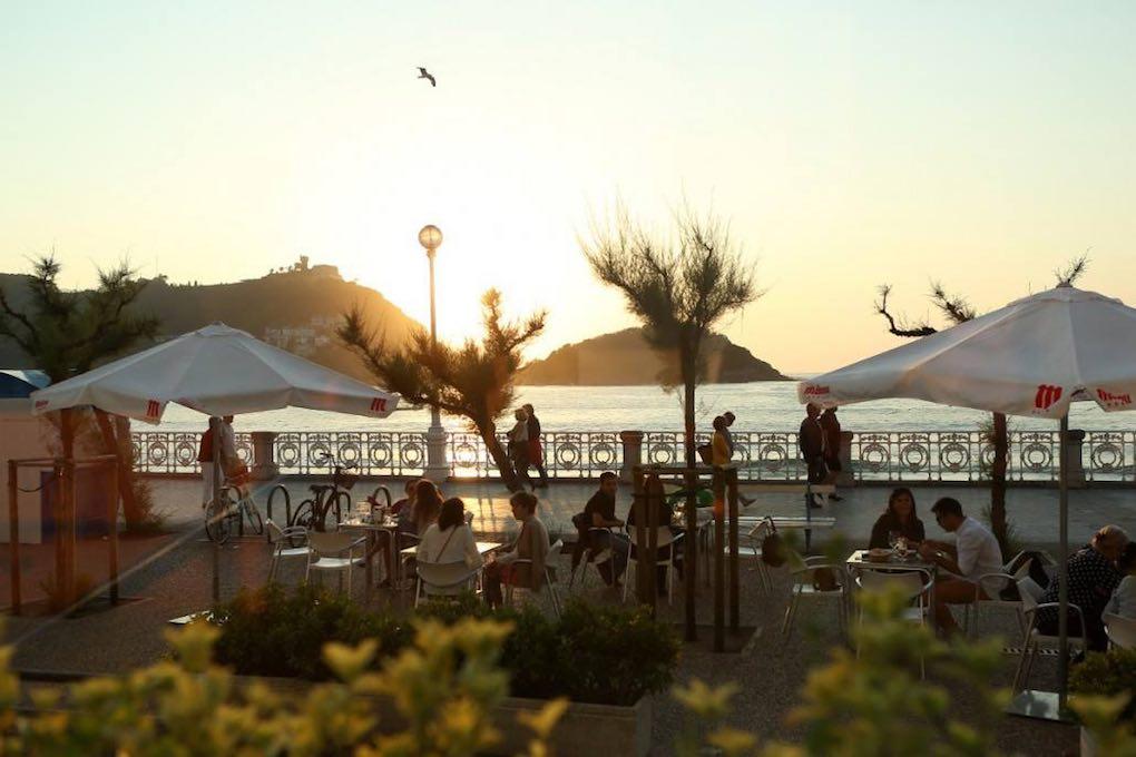 Terraza del restaurante Narru. Foto: FAcebook
