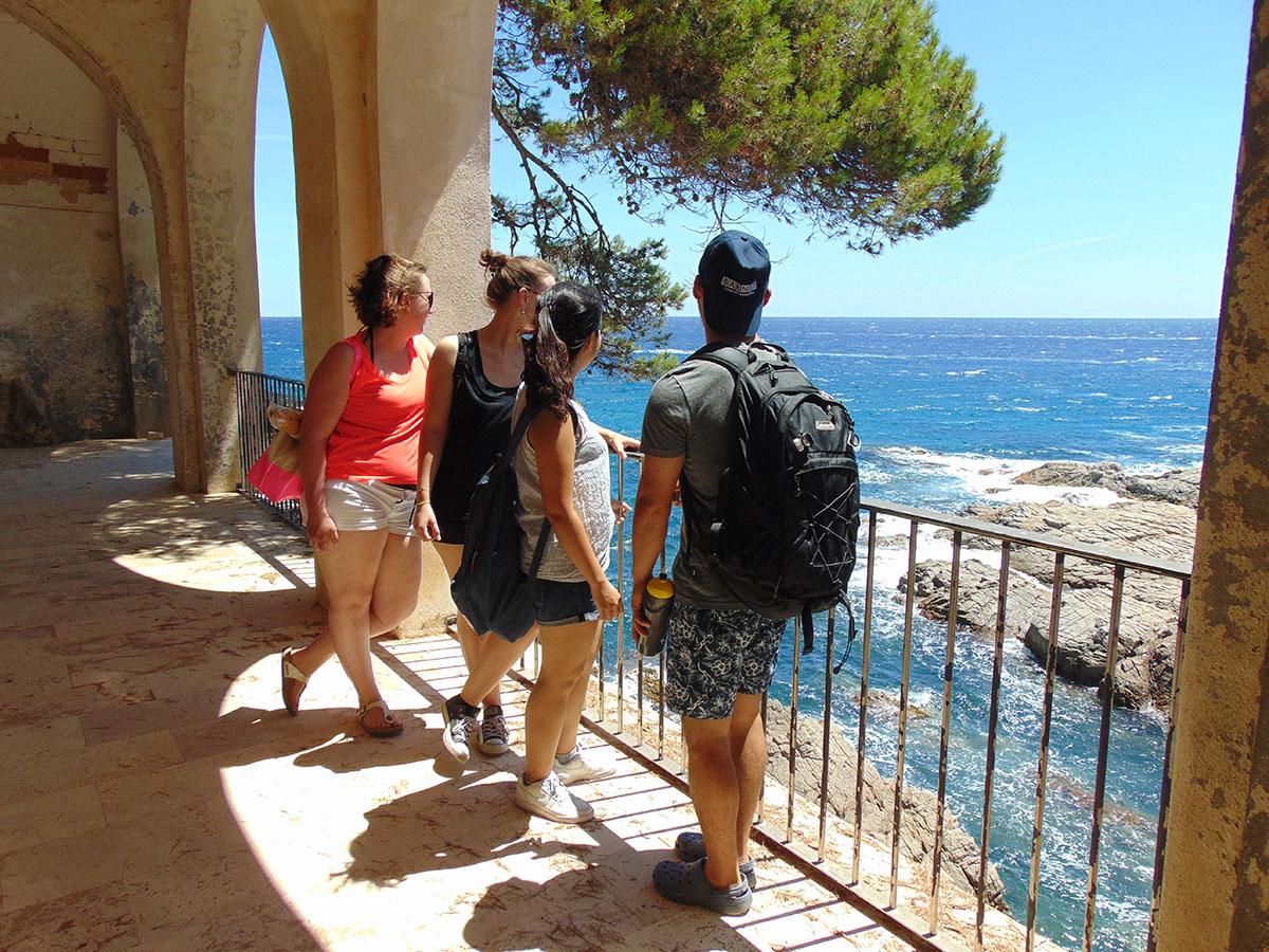 Camino de Ronda (Costa Brava): pérgolas en S'Agaró. Foto: Anna Otero