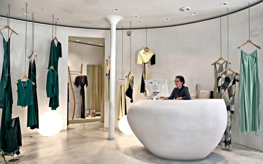 Interior de la tienda Cortana, en Jorge Juan