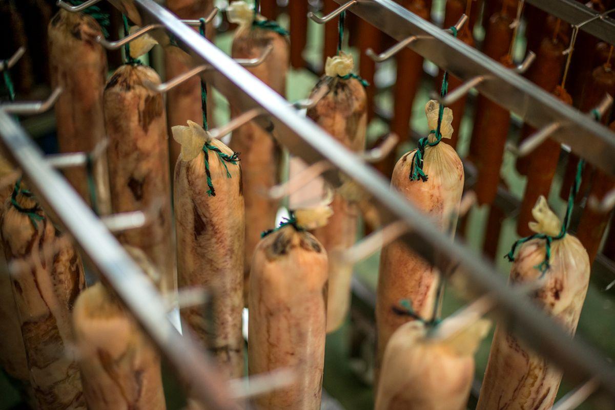 El lomo y otros embutidos se curan. Foto: Alfredo Cáliz