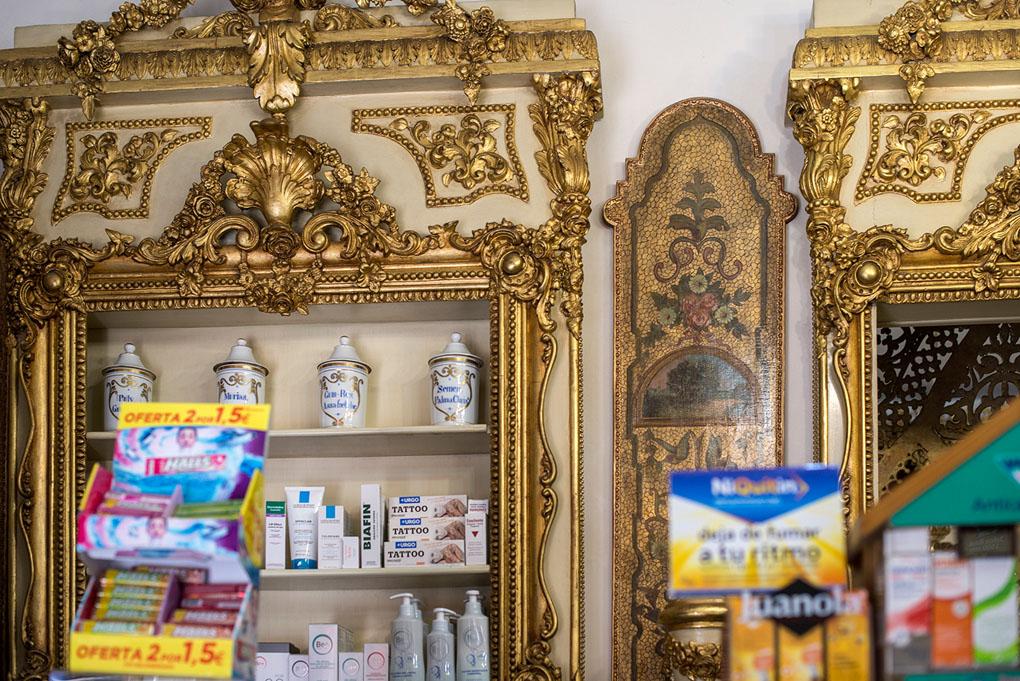 Detalle de la farmacia Deleuze