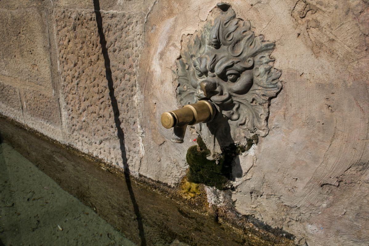 Detalle de una fuente en Catí. Foto: Eva Máñez