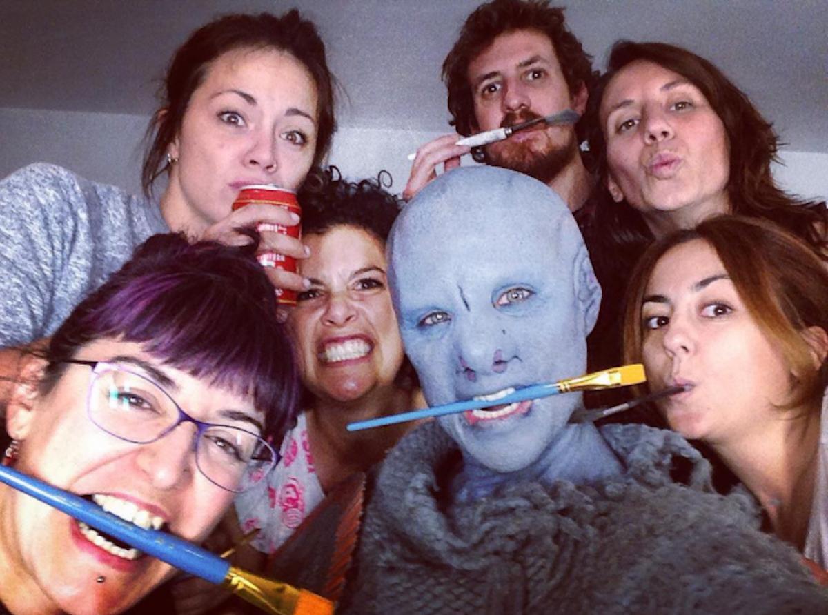 Caracterizada como un alien, la actriz Aura Garrido, en La Piel Fría. Foto: Instagram