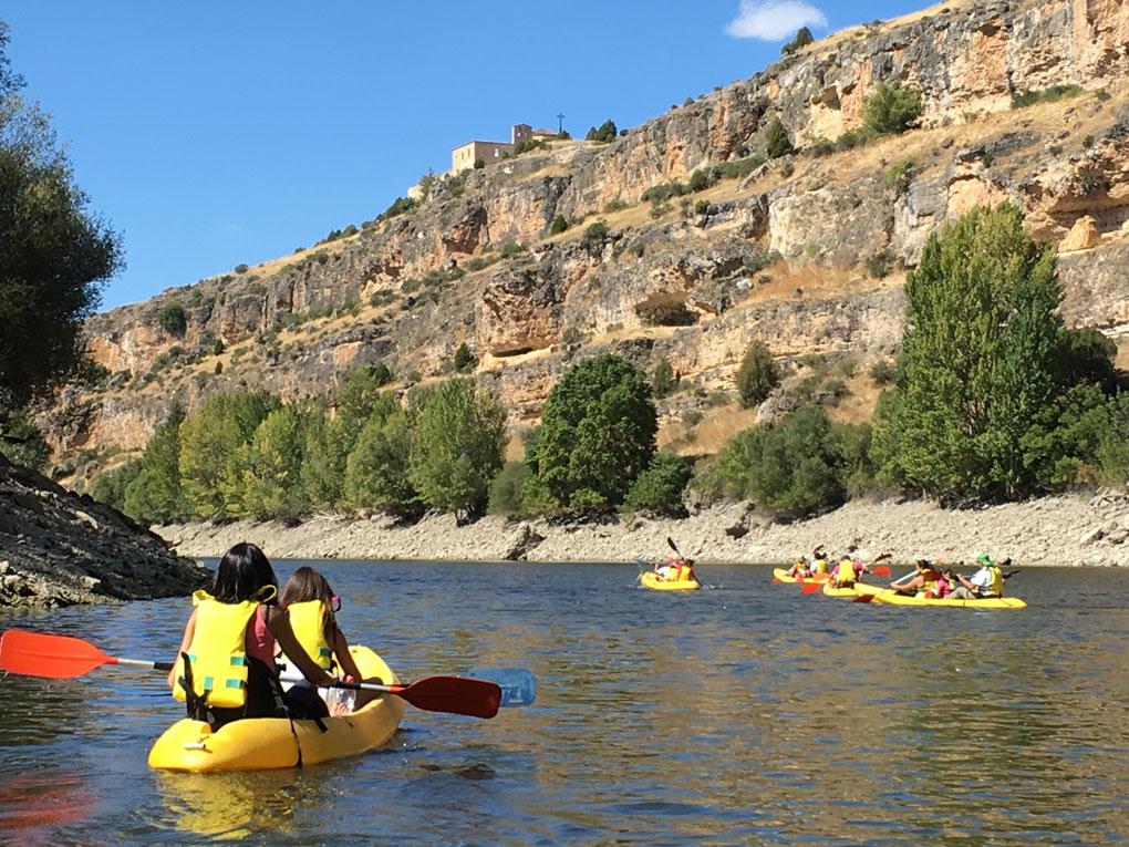 Niños en Kayak en las Hoces del Duratón