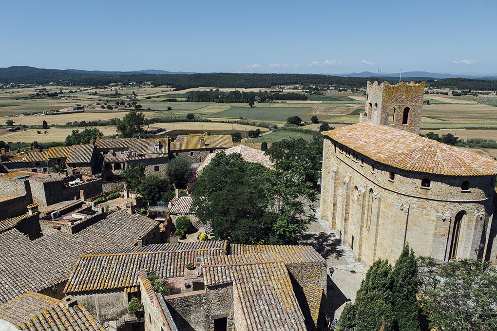 Pals (Bajo Ampurdán, Baix Empordà) - panorámica aérea (1) - Foto: César Cid