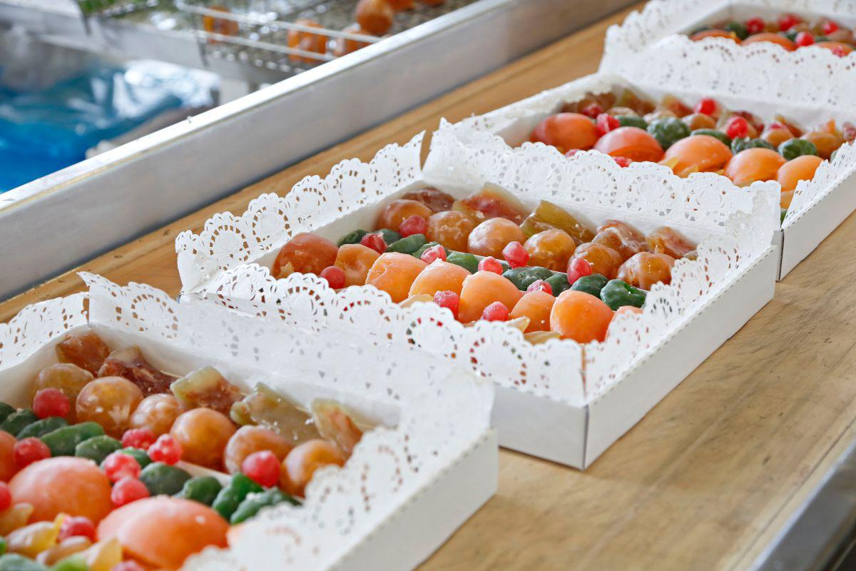 Frutas confitadas 'Francisco Moreno' (Calahorra). Caja de frutas glaseadas. Foto: Roberto Ranero
