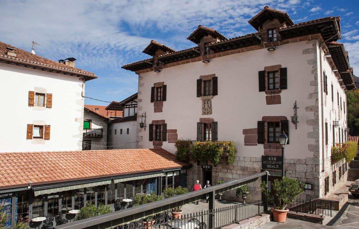 Exterior del restaurante de la Posada Palacio Beola. Foto: Gari