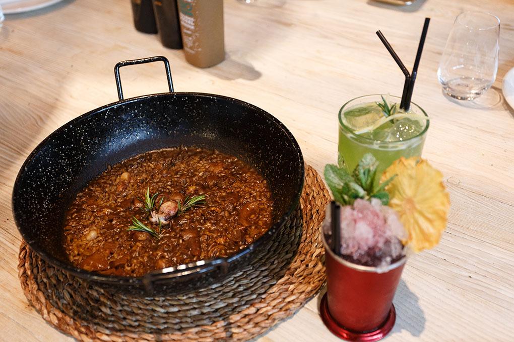 Tapear en Alicante: arroz con cócteles de El Portal. Foto: Pepe Olivares