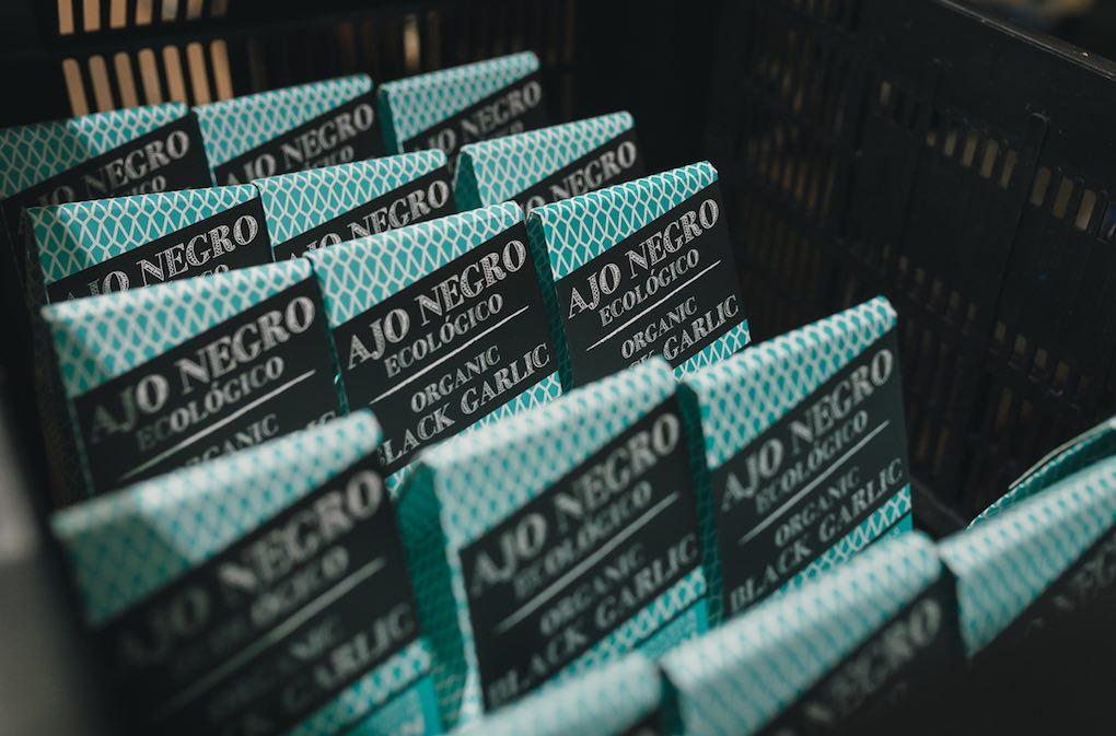 Packaging del ajo negro. Foto: Javier Sierra
