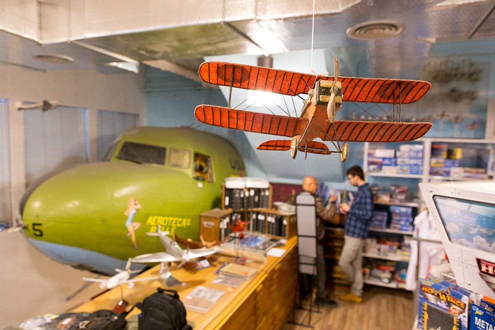 Avión y morro de un Dakota C47