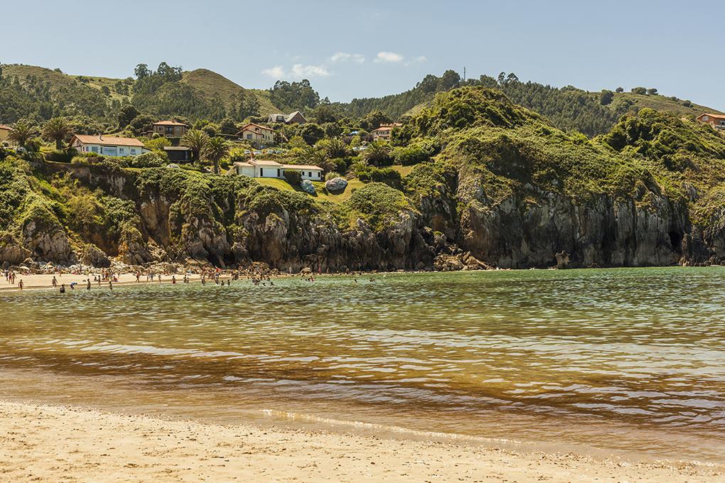 Playa de Amio. Pechón. Shutterstock