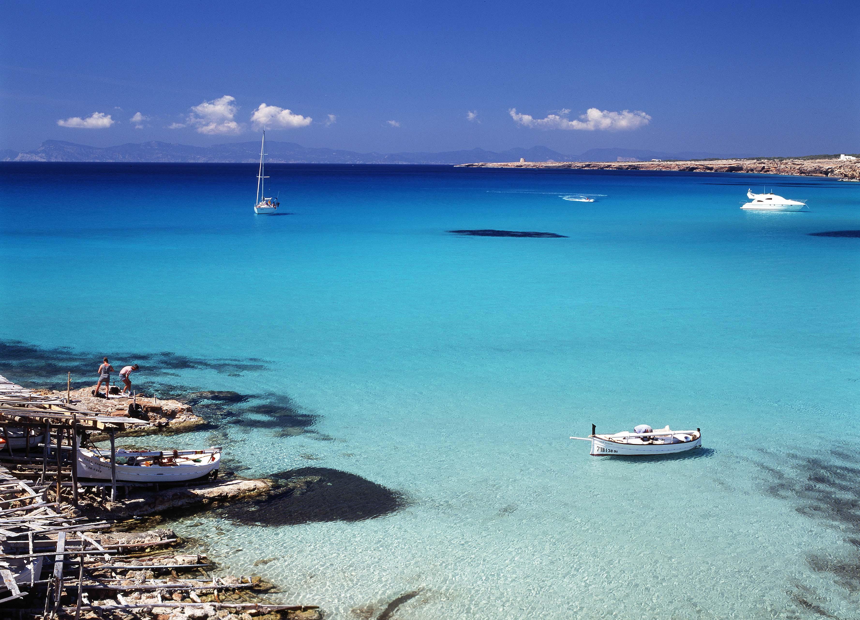 Una cala en Formentera es su mejor carta de presentación.