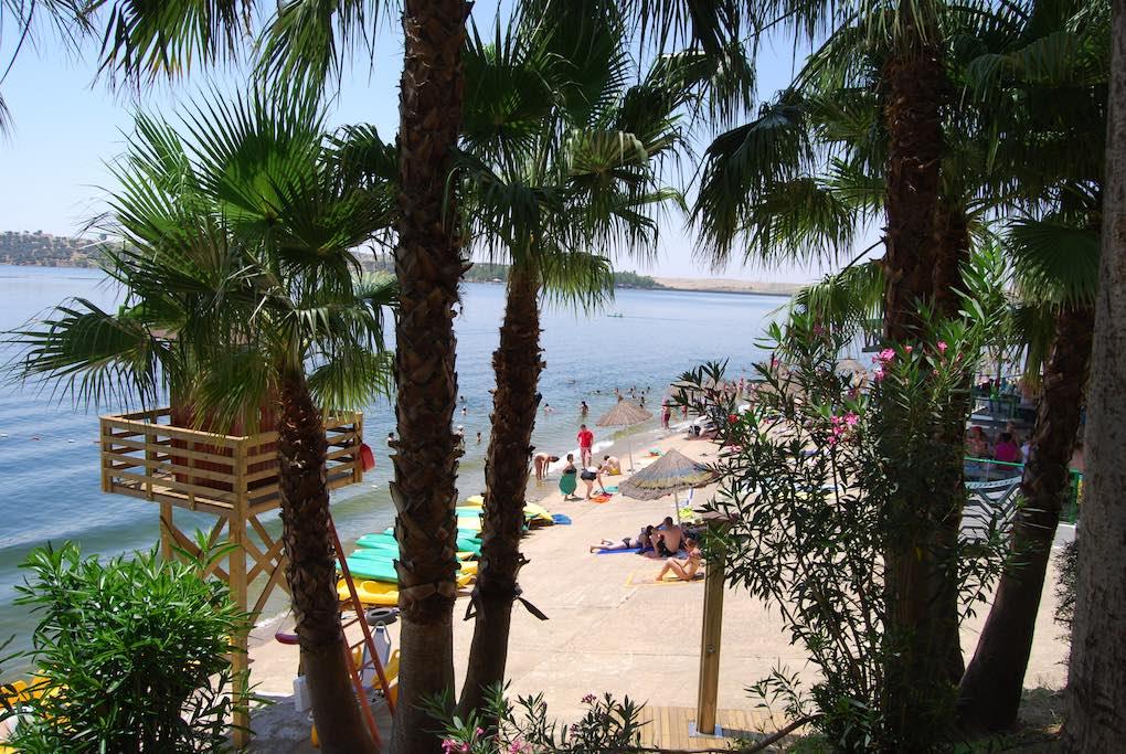 Playa de Orellana. Foto: Turismo de Extremadura