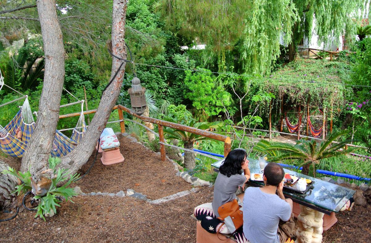 Altea la luz cegadora del mediterr neo for Jardin de los sentidos