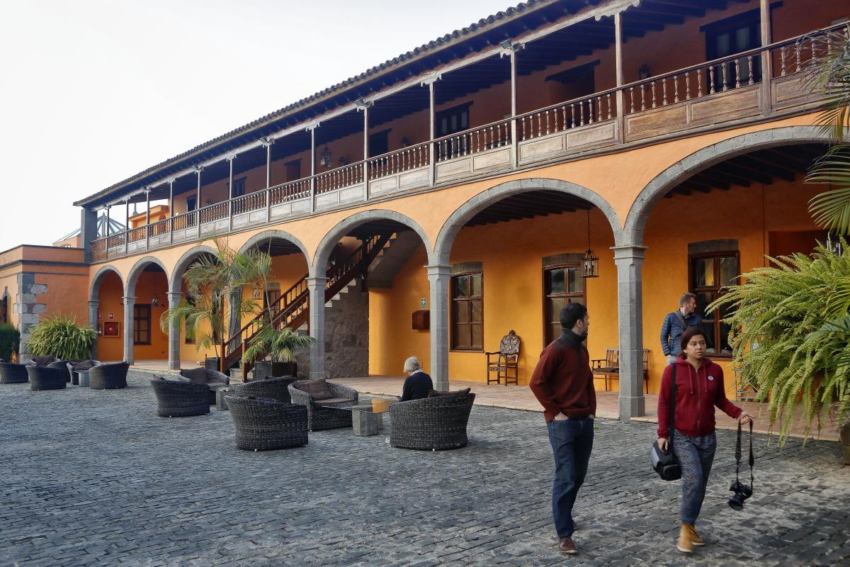 Hacienda El Buen Suceso (Gran Canaria) patio de entrada. Foto: Roberto Ranero