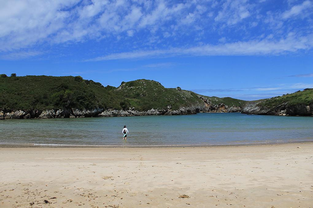 Playa de Andrín. Llanes. Shutterstock