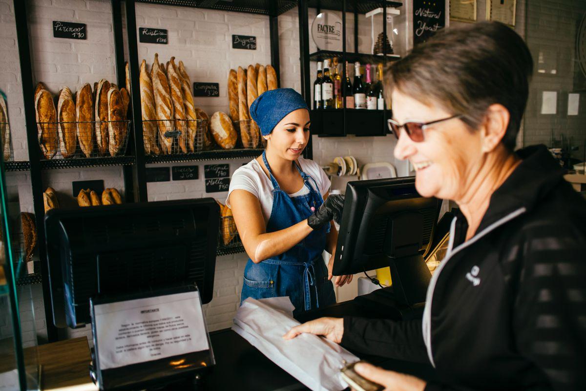 Vendiendo el pan. Foto: Rocío Eslava