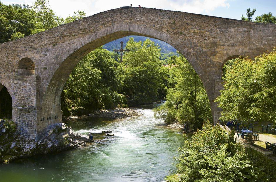 Informacion turistica de cangas de on s asturias guia for Oficina turismo cangas de onis