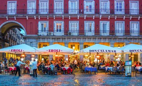 Plaza Mayor. Terrazas. Foto: shutterstock