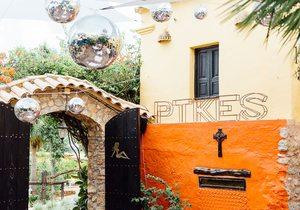 Hotel Pikes, Ibiza. Entrada. Foto: César Cid