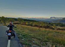 Pirineos al fondo