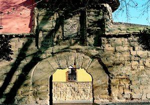 Puerta del Revellín. / Cedida por: Turismo de La Rioja.