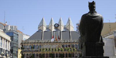 Detalle Alfonso X EL Sabio y Ayuntamiento