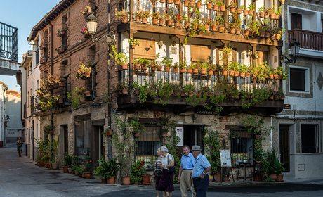 Paseo por Candeleda (Ávila) | Guía Repsol