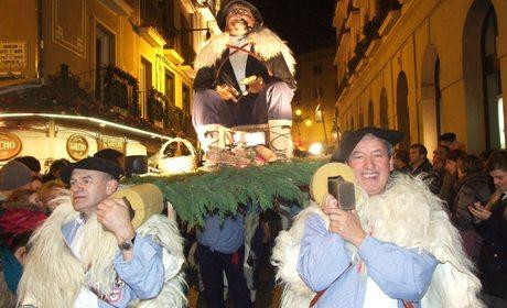 Tradiciones del País Vasco y Navarra: Olentzero | Guia Repsol
