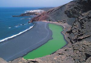 Laguna Verde de Lanzarote