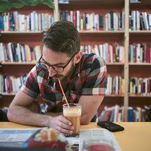Librerías en Barcelona para comer | Guía Repsol