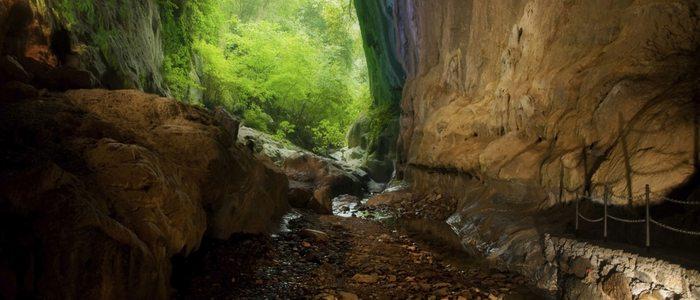 Cuevas famosas por acoger reuniones de brujas durante la Edad Media