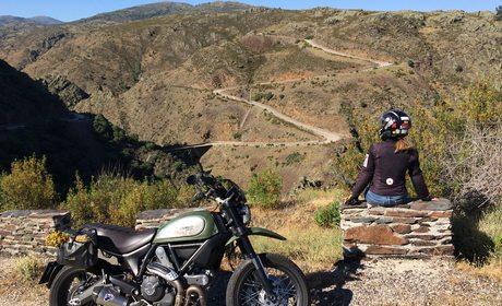 Ruta en moto por los pueblos negros